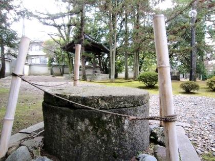 広隆寺の井戸