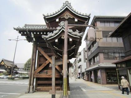 西本願寺の門 堀川通