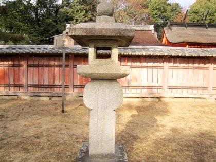 織部型石灯籠