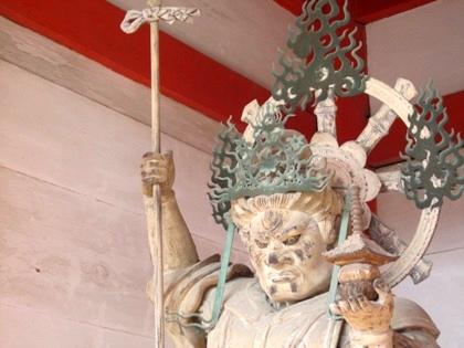 仁和寺中門の多聞天