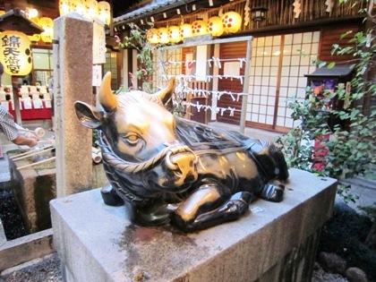 錦天満宮の牛