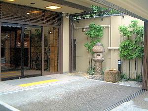 京都東山荘 玄関
