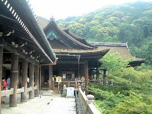 回廊と本堂 清水寺