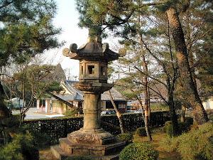 kyoto-chionin-tourou.jpg