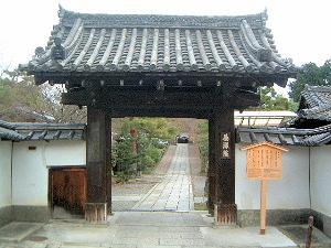 養源院の門